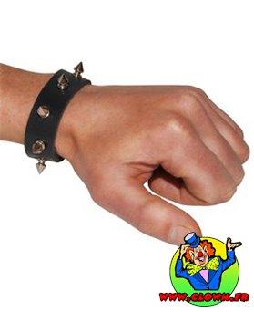 Bracelet de punk à pointes